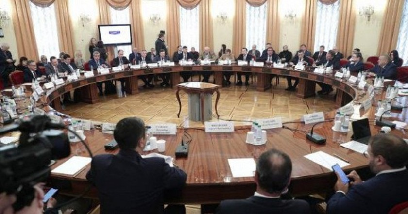 Maksut Shadayev participated in the enlarged meeting of the State Duma Committee on Informational Policy, Information Technology and Communication.