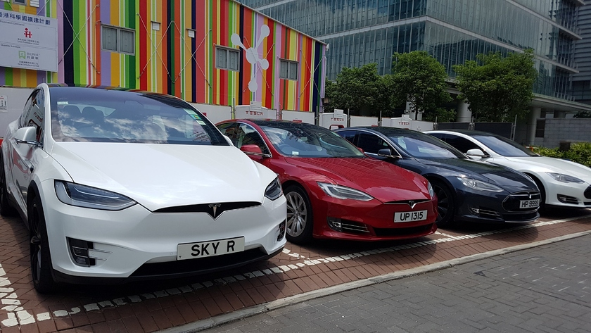 The owner of the Tesla car reported fraud of the producer with accumulators