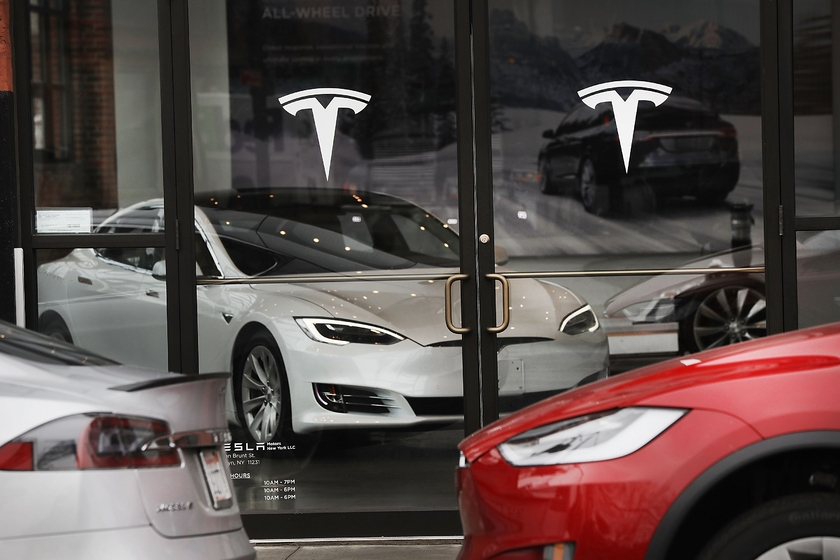 Tesla deception beat out subsidies for electric vehicles: owners of a car should pay 4 thousand euros to the state