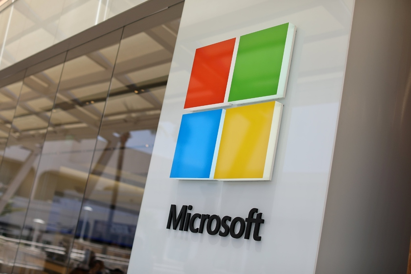 Microsoft began to sell directly cloud services of Azure to the small companies. A great number of partners stood aside