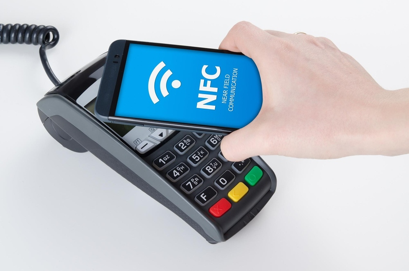 The popularity of contactless payments from smartphones grew in the Russian Federation twice. Photo: retail.ru