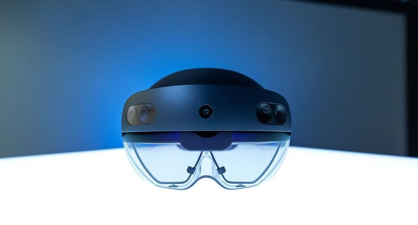 Microsoft announced the beginning of sales of the headset of the mixed reality of HoloLens 2